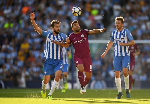 Thắng vất vả tân binh Brighton, Man City lên đầu bảng - Ảnh 4.