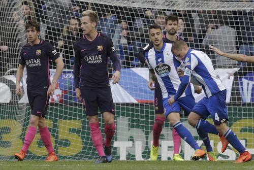 Alex Bergantinos (4) đem chiến thắng về cho Deportivo
