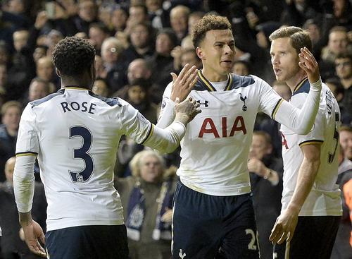 Niềm vui chiến thắng của Tottenham trước đội đầu bảng