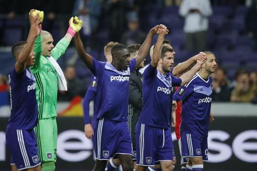 Trận hòa như chiến thắng của Anderlecht