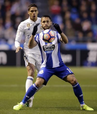 Andone ghi bàn rút ngắn tỉ số cho Deportivo