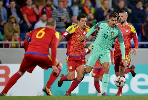 Ronaldo tỏa sáng, Bồ Đào Nha vẫn có nguy cơ bị loại - Ảnh 1.
