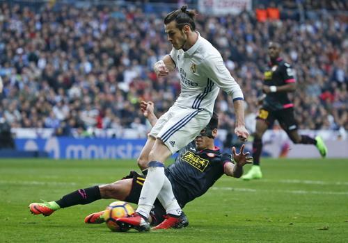 Gareth Bale ghi bàn ấn định chiến thắng 2-0