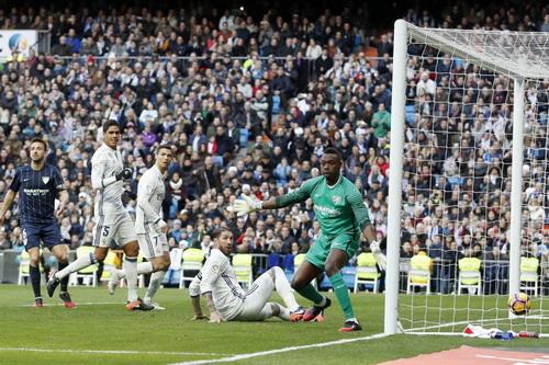 Ramos hoàn tất cú đúp trong hiệp một