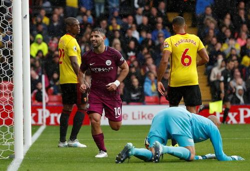 Aguero thăng hoa, Man City vững ngôi đầu giải Ngoại hạng - Ảnh 2.