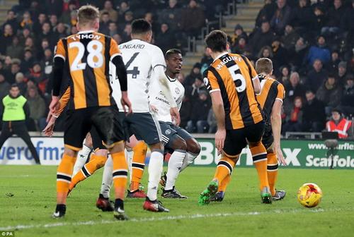 Paul Pogba ghi bàn quan trọng, đưa M.U vào chung kết