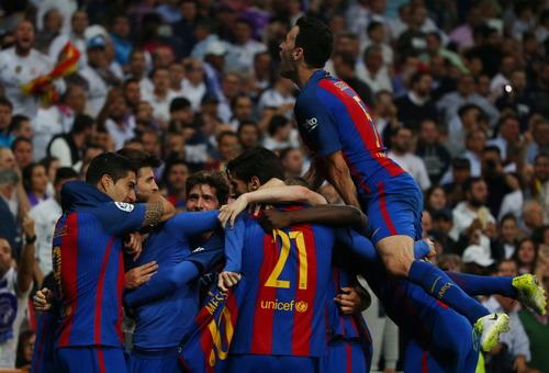 Niềm vui chiến thắng của Barcelona tại Bernabeu