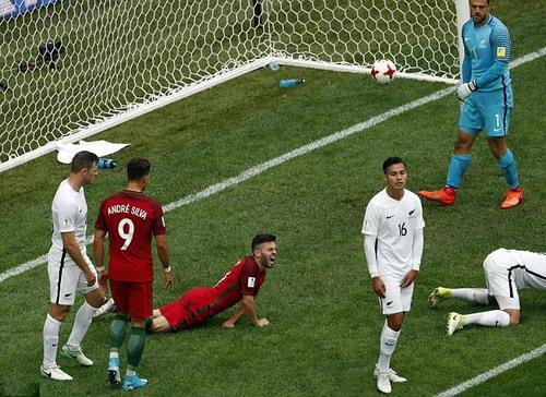 Ronaldo lập kỷ lục, Bồ Đào Nha nhấn chìm New Zealand - Ảnh 4.