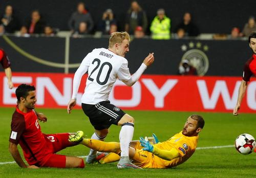 Anh, Đức bất bại, đại bàng trắng Ba Lan bay thẳng đến World Cup - Ảnh 3.