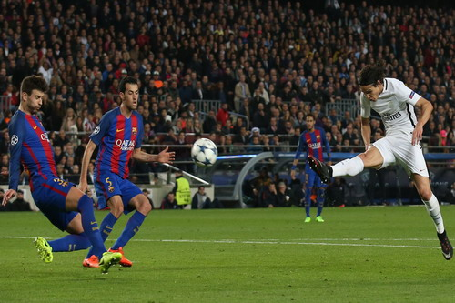 Bàn thắng phút 62 của Cavani duy trì hy vọng cho PSG