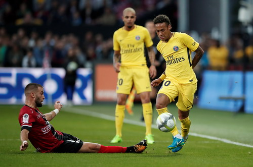 Neymar chào sân đẳng cấp, PSG đè bẹp Guingamp - Ảnh 2.