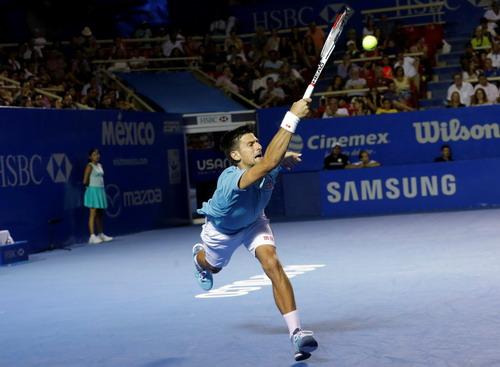 Djokovic vất vả trước lối chơi cuồn cuộn thể lực của Nick Kyrgios