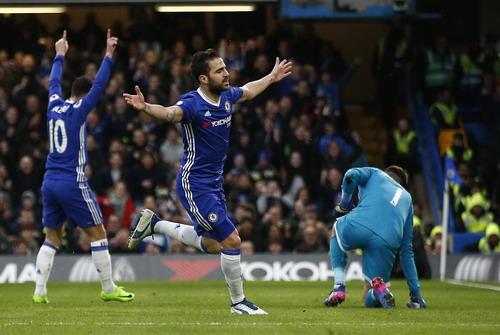 Fabregas lập công ở trận đấu thứ 300 tại Premier League