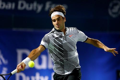 Federer thắng ván đầu tiên nhưng thua ngược trước Donskoy