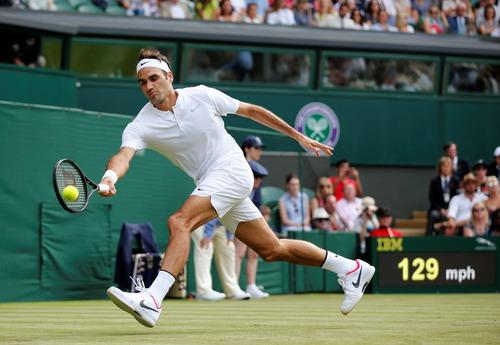 Federer tốc hành lập kỷ lục, Djokovic vào vòng 2 Wimbledon - Ảnh 2.