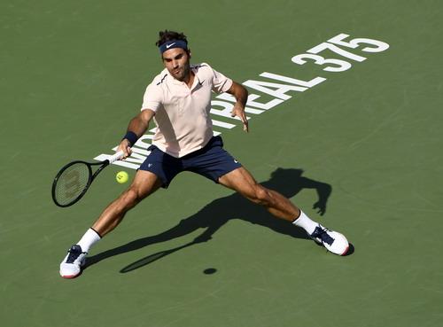 Hạ tượng đài Federer, sao trẻ Zverev đăng quang Rogers Cup - Ảnh 2.