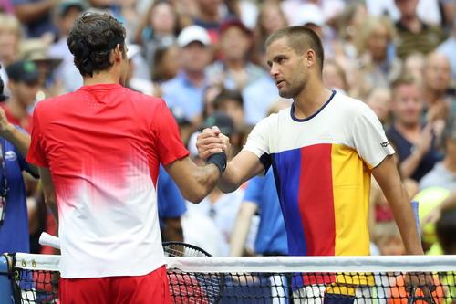 Federer thoát hiểm, Nadal vào vòng 3 Mỹ mở rộng - Ảnh 3.