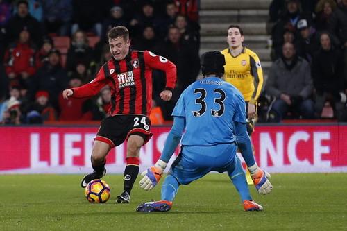 Ryan Fraser ghi bàn thứ ba sau 58 phút cho Bournemouth