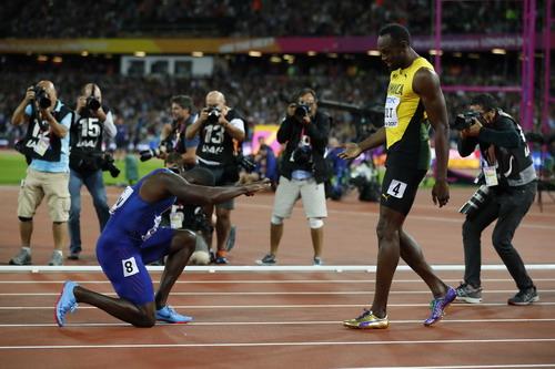 Lần cuối đua tài 100m, tượng đài Usain Bolt thảm bại - Ảnh 7.