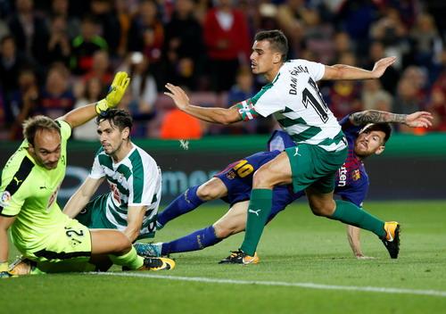 Siêu nhân Messi đánh poker, Barcelona thắng đậm ở Nou Camp - Ảnh 5.