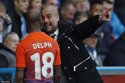 Guardiola bất lực với các cầu thủ Man City