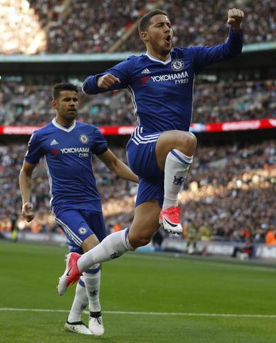Hazard tỏa sáng sau khi vào sân từ ghế dự bị
