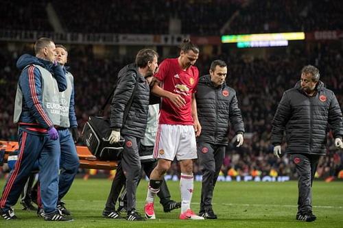 Ibrahimovic chấn thương, Man United lâm nguy