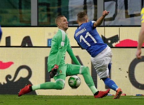 Dứt điểm kém, Ý mất vé World Cup vào tay Thụy Điển - Ảnh 4.