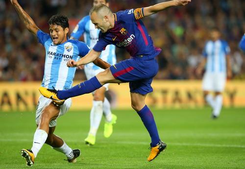 Trọng tài tặng 3 điểm, Barcelona tăng tốc dẫn đầu La Liga - Ảnh 5.