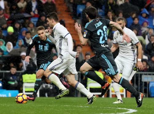 Mateo Kavacic tỏa sáng với một bàn thắng và một pha kiến tạo