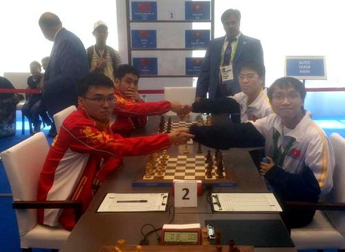 Hạ kình địch Trung Quốc, Quang Liêm - Trường Sơn vô địch cờ chớp - Ảnh 2.
