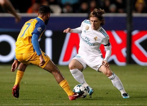 Ronaldo trút giận, Real Madrid đoạt vé vòng knock-out - Ảnh 1.