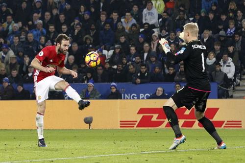 Juan Mata suýt lập cú đúp trong trận