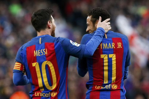 Messi chia sẻ ngôi đầu Vua phá lưới với Luis Suarez (16 bàn)