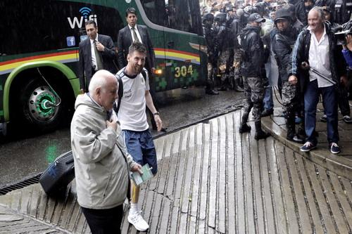 Messi phải theo dõi trận đấu Bolivia - Argentina hôm 29-3 từ khán đài