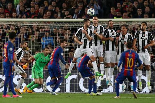 Messi gây thất vọng lớn ở trận lượt về