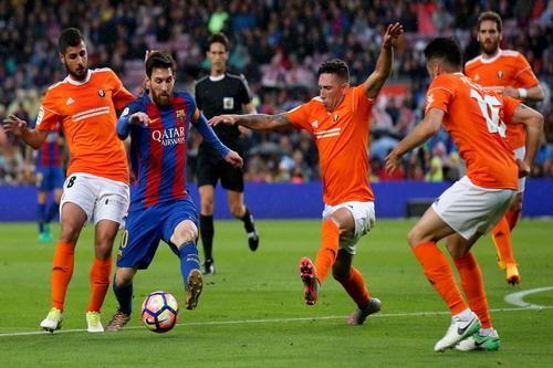 Messi tả xung hữu đột, lập cú đúp trước Osasuna