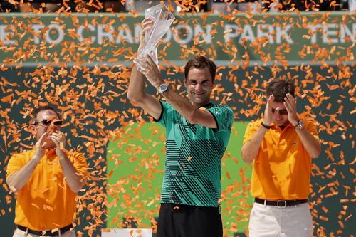 Nhà vô địch lớn tuổi nhất ở Miami Open