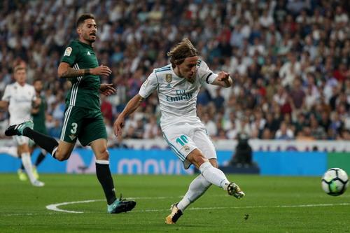 Dị nhân Ronaldo tái xuất, Real Madrid thua trắng Betis - Ảnh 3.