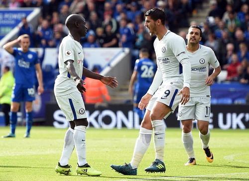 Công làm thủ phá, Man United mất điểm ở Britania - Ảnh 6.