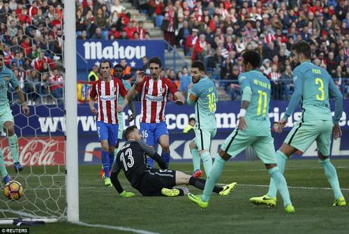 Messi sắm vai người hùng với bàn thắng phút 86