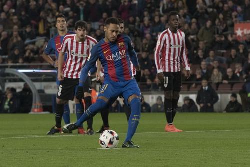 Neymar ghi bàn đầu tiên cho Barcelona sau gần 3 tháng