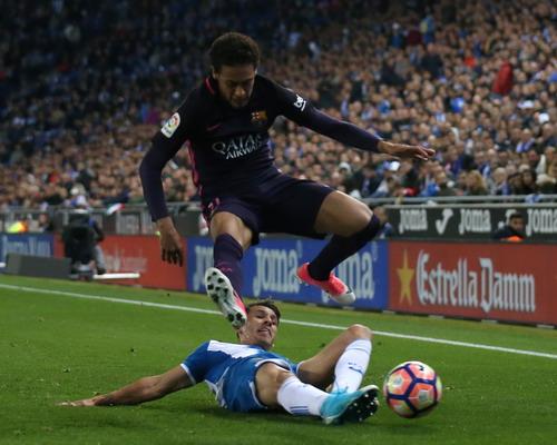 Neymar trở lại, hàng công Barca khởi sắc hơn