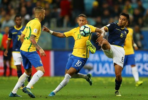 Coutinho tái xuất ấn tượng, Brazil lên ngôi số 1 Nam Mỹ - Ảnh 3.
