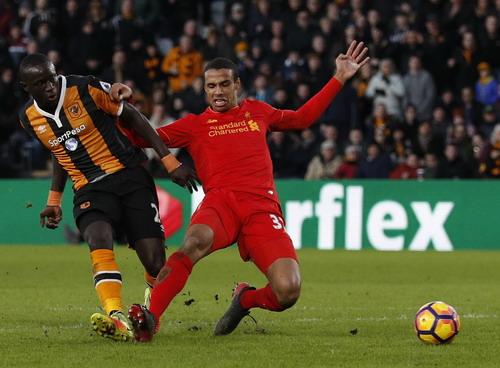 Oumar Niasse ghi bàn, nhấn chìm Liverpool
