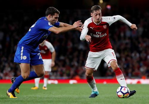 Rượt đuổi tỉ số, Arsenal thắng trận khai mạc Ngoại hạng Anh - Ảnh 4.