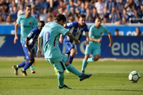 Hỏng phạt đền, lập cú đúp, Messi tỏa sáng với Barcelona - Ảnh 3.
