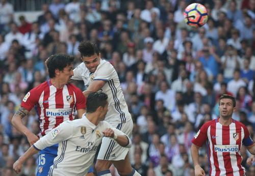 Trung vệ Pepe ghi bàn mở tỉ số cho Real Madrid