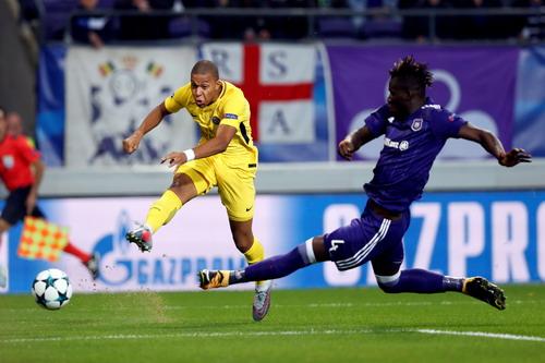Neymar, Cavani cùng tỏa sáng, PSG đại thắng trên đất Bỉ - Ảnh 2.