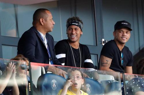 Neymar phản bội Barcelona như thế nào? - Ảnh 5.